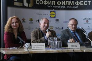 Отляво надясно: Есил Кючюктепепънар, Гидеон Кутс, Клаус Едер
