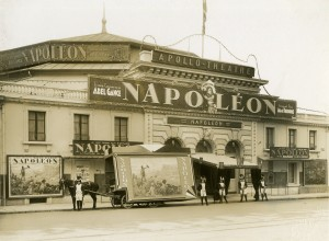 Кино ,,Аполо'' по време на прожекциите на ,,Наполеон''